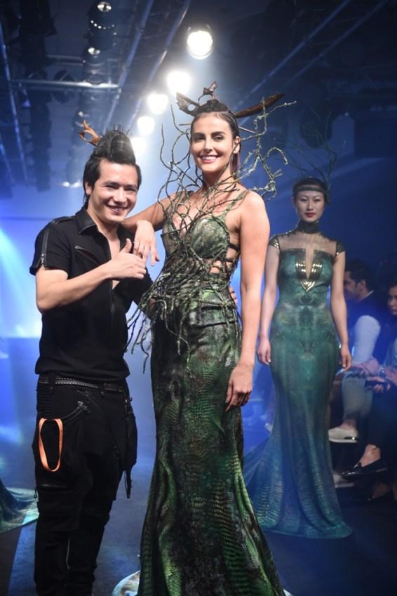 Mandana Karimi with Asa Kazingmei (2)