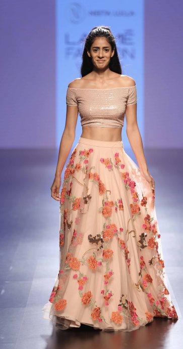 Model walks for Neeta Lulla at LFW SR 2016