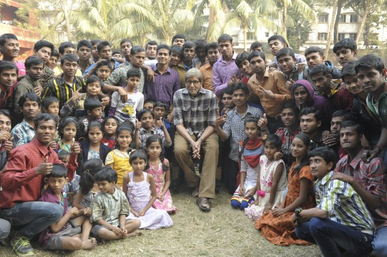 Mr Bachchan with the children of Calcutta Deaf & Dumb School