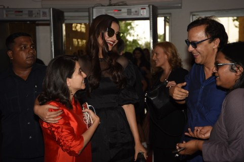 Sonam Kapoor, Anupama Chopra, Vidhu Vinod Chopra and Smriti Kiran share a candid moment at MAMI film club launch