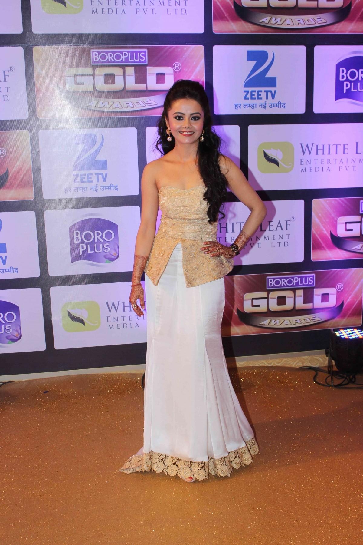 1465554962_devoleena-bhattacharjee-zee-gold-awards-2016