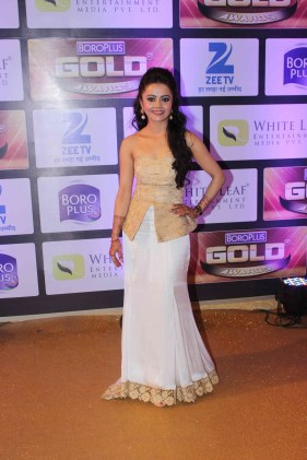 1465554962_devoleena-bhattacharjee-zee-gold-awards-2016