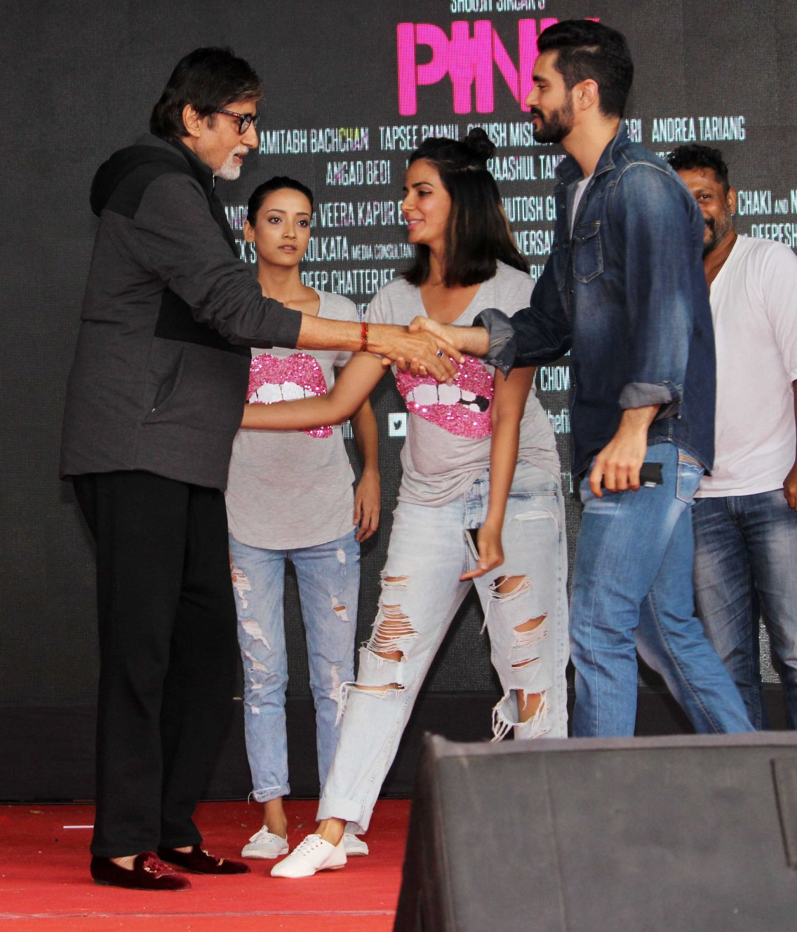 Amitabh Bachchan, Andrea, Kirti,Angad Bedi and Shoojit Sircar