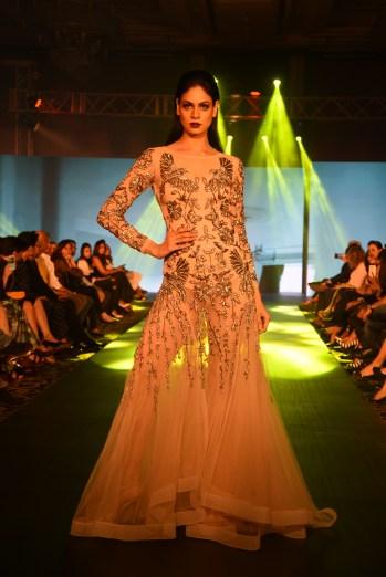 01-model-walking-the-ramp-for-designer-rajat-tangri-tech-fashion-tour-2016