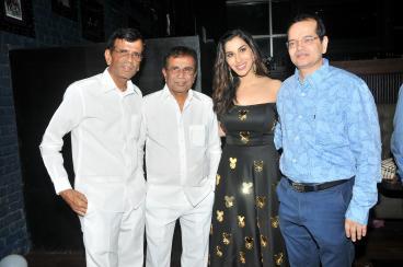 6. Abbas Mastan with Sophie Choudry and Champak Jain DSC_9049