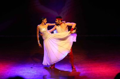 sandip-soparrkar-performing-with-alesia-raut-at-ncpa