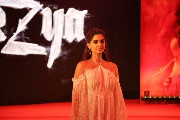 sonam-kapoor-at-mirzya-music-launch