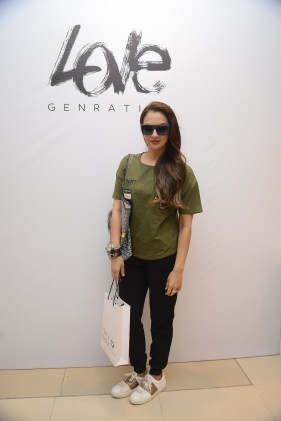 seema-khan-at-the-launch-of-love-genration-at-shoppers-stop