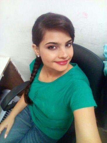 tara-singh-signed-for-director-maneesh-singhs-tamil-remake-of-baghban-6