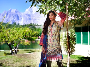 lakhany-silk-mills-winter-shawl-collection-16