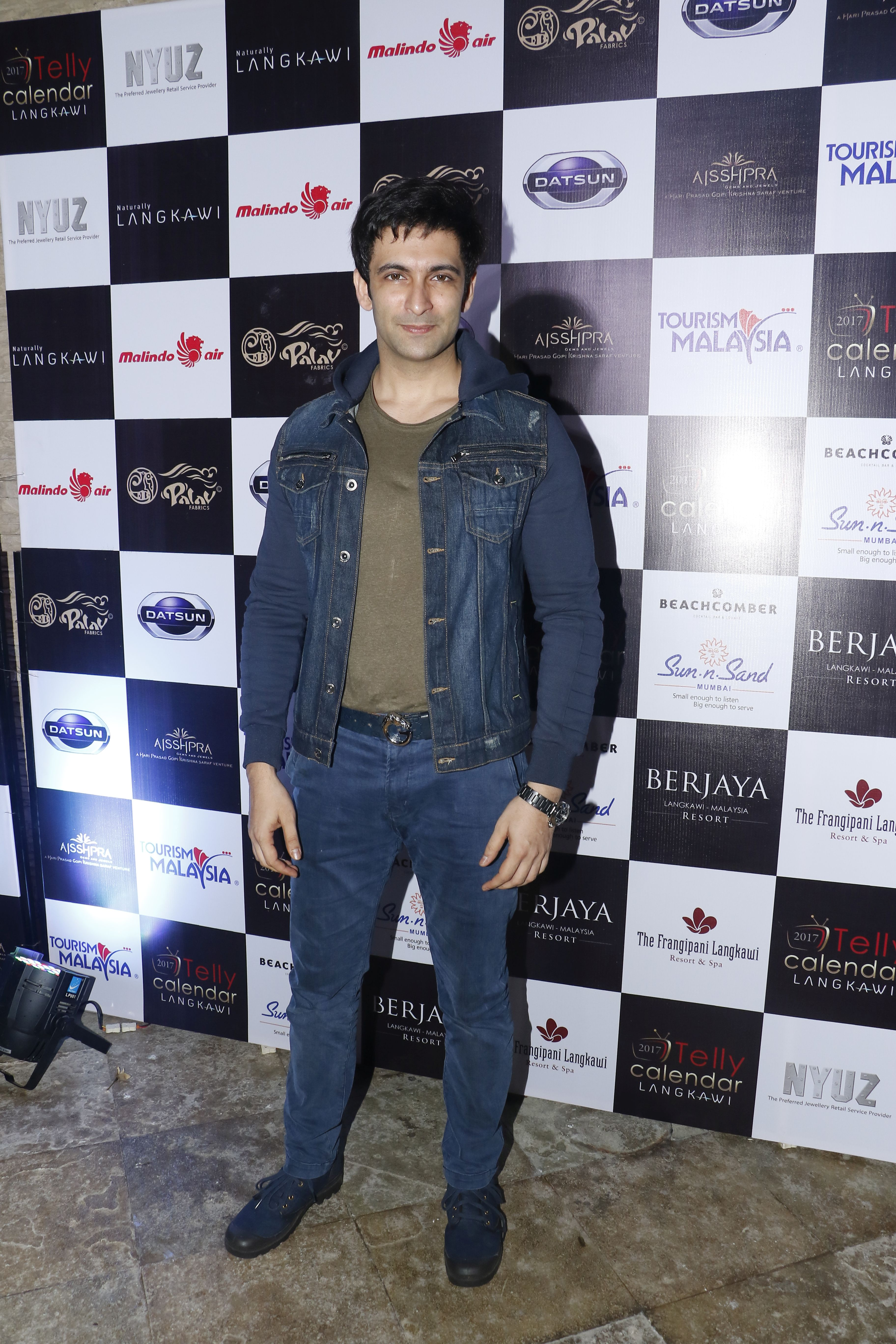 nandish-singh-the-launch-of-telly-calendar-2017-langkawi