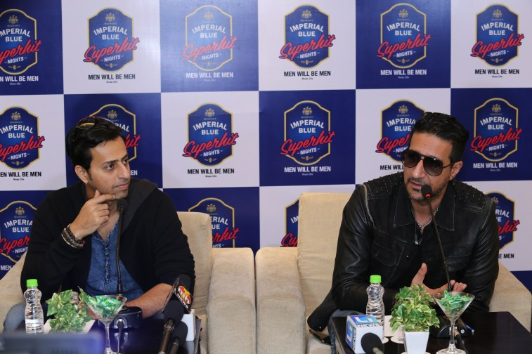 salim-sulaiman-at-imperial-blue-superhit-nights-season-3-faridabad-2
