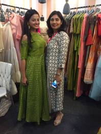 actor-helly-shah-with-designer-avni-bhuva-lfw