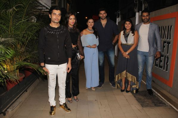 left-to-right-ssharad-malhotra-pooja-bisht-kratika-sengar-nikitin-dheer-aditi-sharma-and-sundip-ved