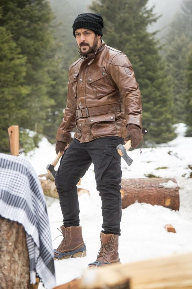 Salman Khan  shooting Tiger Zinda Hai in -22 degrees