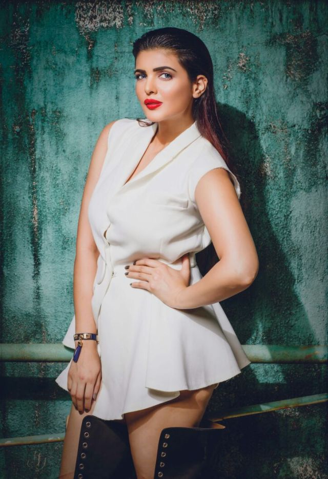 Ihana Dhillon To Star In Arjun Rampal's Nastik