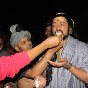 Hrishikesh Pandey eating cake