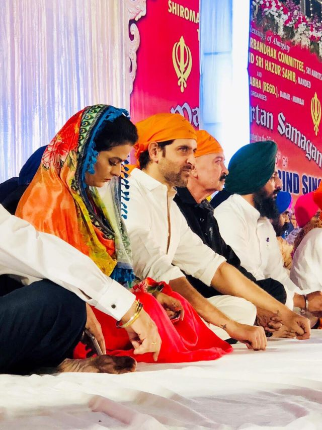 Sheeba Spotted With Hrithik Roshan, Jeetendra And Raakesh Roshan!