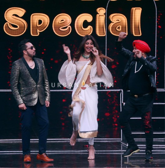 Daler Mehndi And Mika Singh Shake A Leg With The Judges Of