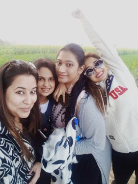 Tinaa Datta with her friends in Amritsar (4)