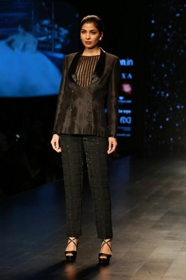 Adarsh Gill Amazon India Fashion Week 2018 (18)