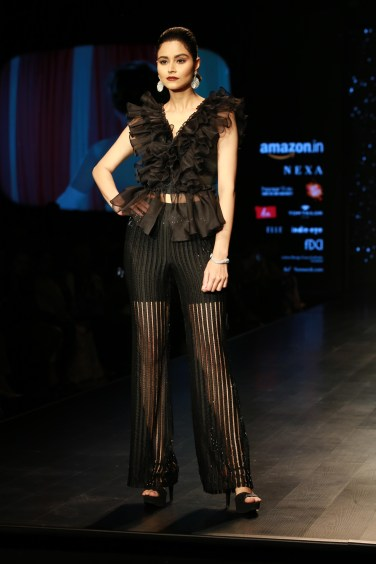 Adarsh Gill Amazon India Fashion Week 2018 (19)