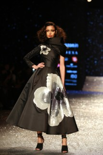 Gauri and Nanika Amazon Fashion Week 2018 (16)