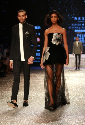 Gauri and Nanika Amazon Fashion Week 2018 (23)