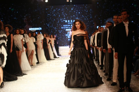 Gauri and Nanika Amazon Fashion Week 2018 (3)