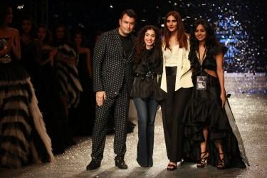 Gauri and Nanika Amazon Fashion Week 2018 (7)