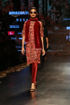 Shyamal and Bhumika Amazaon Fashion week 2018 (10)