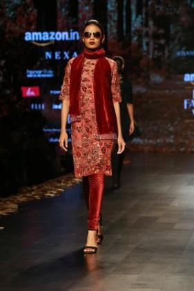 Shyamal and Bhumika Amazaon Fashion week 2018 (10)