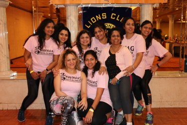 Varsha Naik lead a dance fitness event to support Breast Cancer Research program2