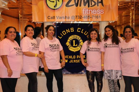 Varsha Naik lead a dance fitness event to support Breast Cancer Research program3