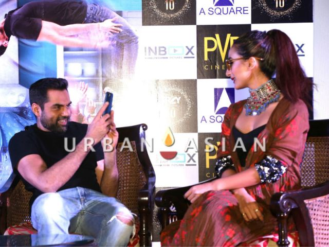Abhay Deol clicks Patralekha's picture during Nanu Ki Jaanu promotins