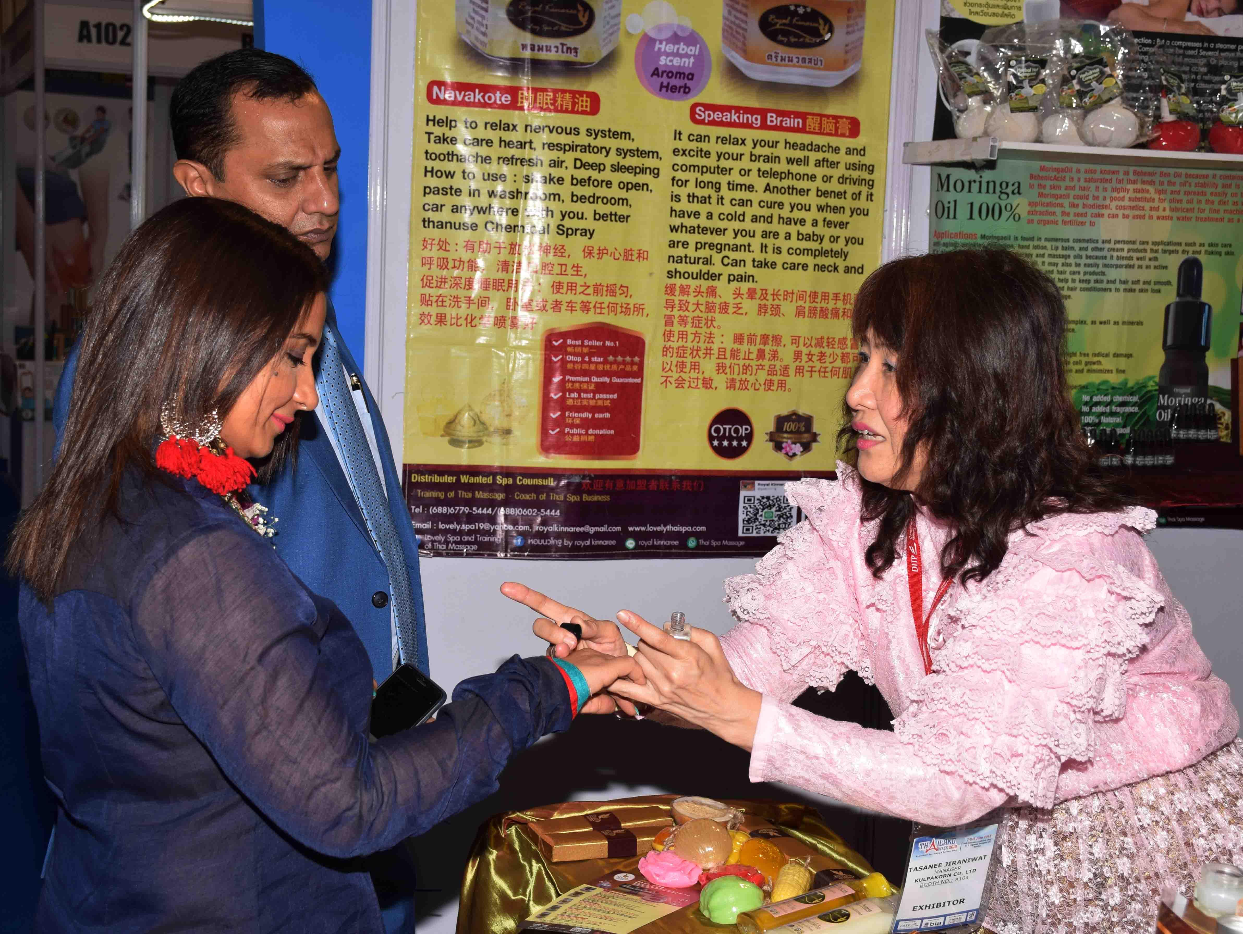 Bollywood actress Divya Dutta inaugurated the Thailand Week 2018 at Bombay Exhibition Centre, Goregaon in Mumbai5