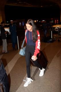 Bollywood celebs on their way for IIFA 2018 (3)