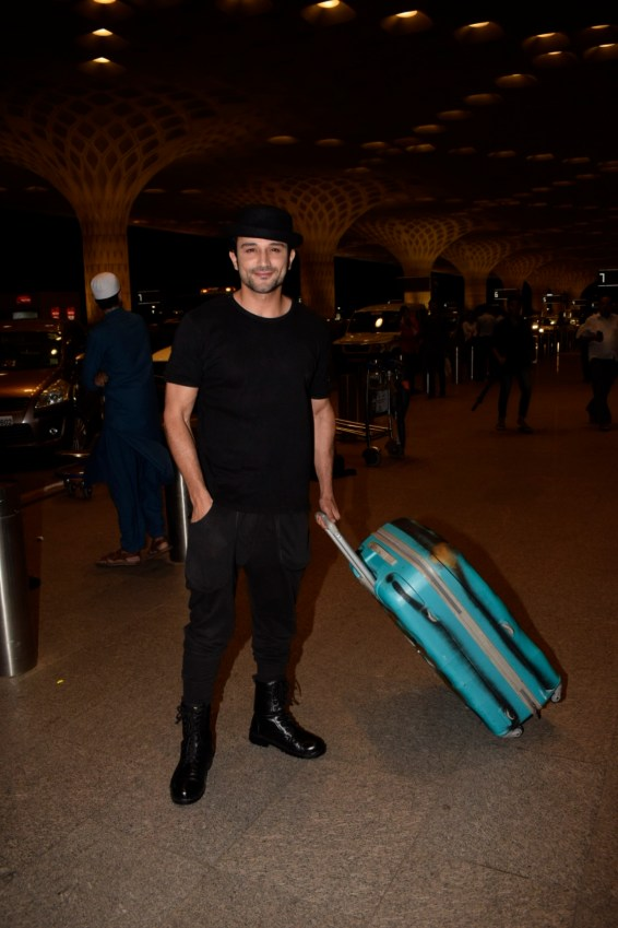 Bollywood celebs on their way for IIFA 2018 (4)
