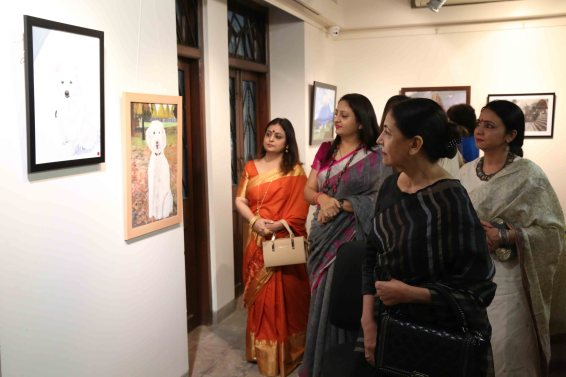 Deepti Naval, Aarti Savur (CEO Parishar Asha) and Ujjwala Haware (Chairperson of Haware Engineers & Builders Pvt Ltd)1