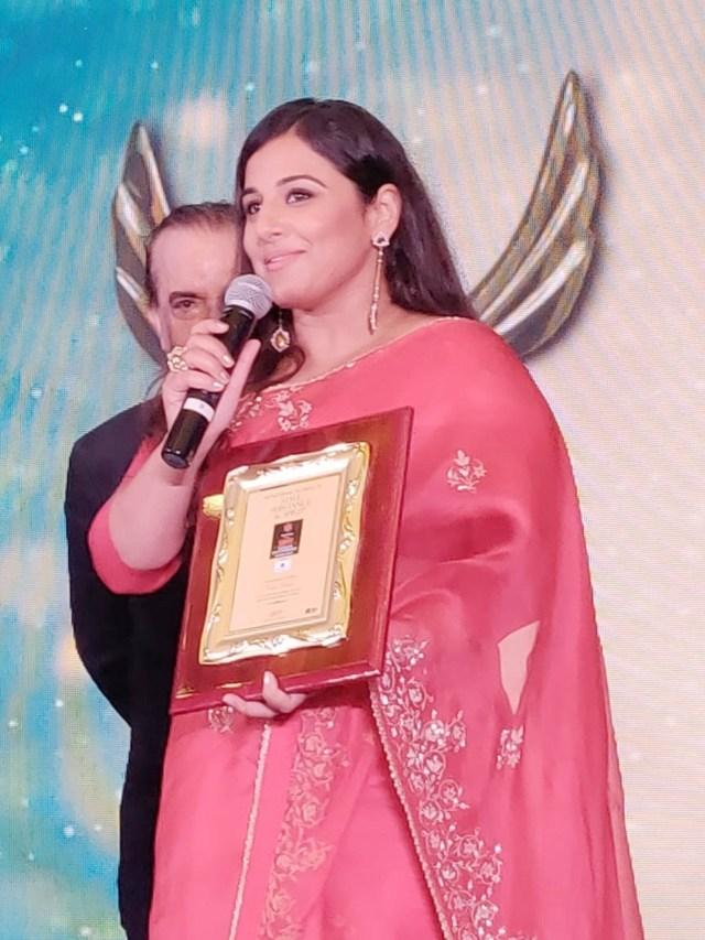 Vidya Balan Felicitated at the Savvy Women Empowerment Awards 2018