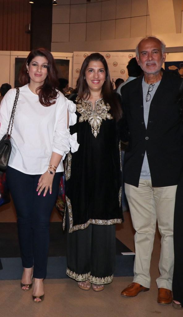 Twinkle Khanna with Tarana Khubchandani of Passages and Satinder Bajwa of Khelshala