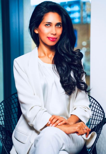 Fagun Thakrar, Multi-Talented British Indian Actress, Writer-Director And Activist Starts 2019 With A Momentous Gathering For Women And Girls Through Her Foundation