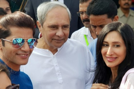 Karanvir-Bohra-meets-the-Honourable-Chief-Minister-of-Odisha-Mr.-Naveen