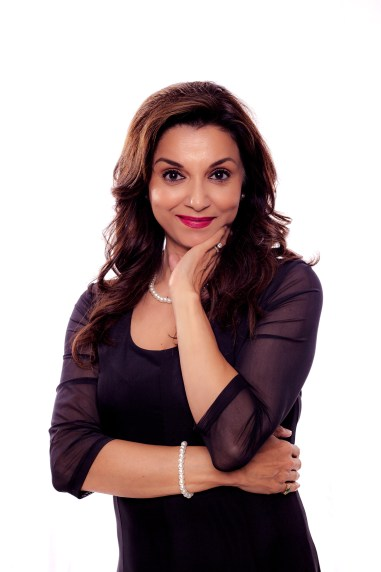 International Starlet Lillete Dubey lands in SA for 3 days to go premiere