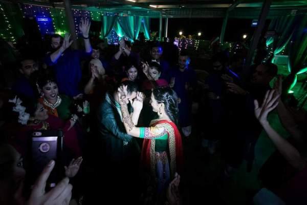 https://urbanasian.com/whats-happenin/2016/02/reasons-you-should-have-a-destination-wedding/