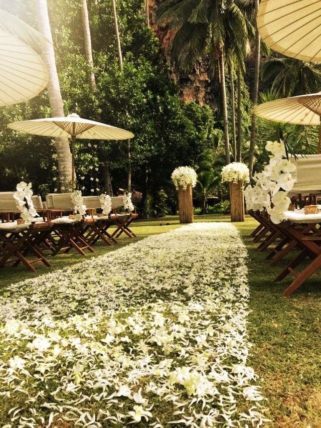 5 Reasons To Work With a Travel Designer for Your Destination Wedding