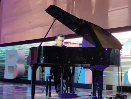 A.R. Rahman enthralls everyone at Busan Film Festival with Live Performance
