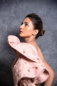Hina Khan 2