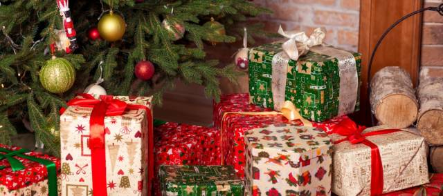 10 Christmas Gifts That You Can Gift To Your Loved Once