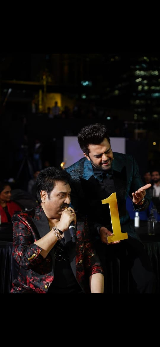 Kumar Sanu and Maniesh Paul